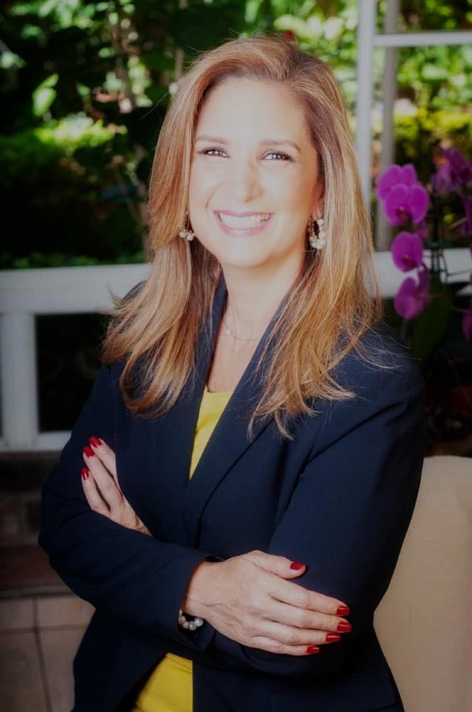 Claudia Flores Loucel